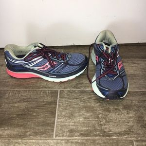 Saucony Shoes - Saucony Guide 9 Sneaker